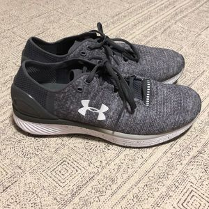 NWOT Under Armour sneakers